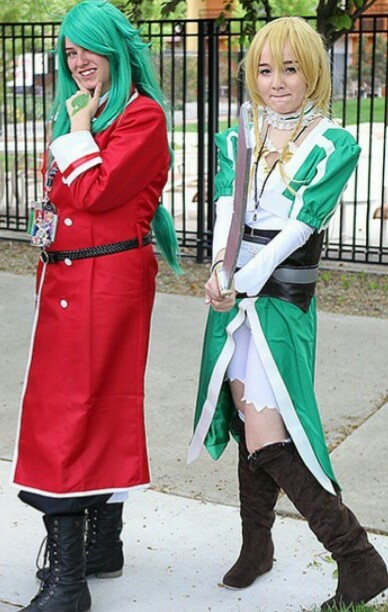 Alise Leach and Kirsten Morales in cosplay.